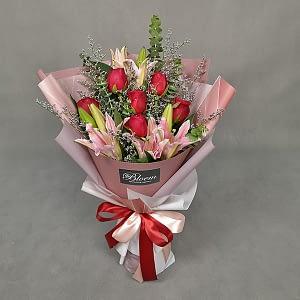 lily rose bouquet
