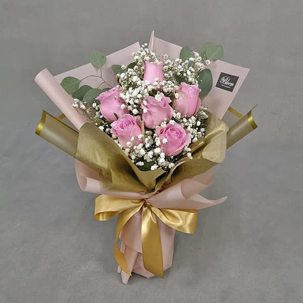HB237 1 Rm90 6Pink Roses Baby Breath and Eucalythus
