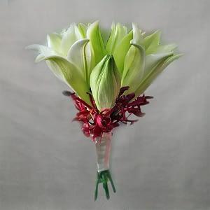 wedding bouquet lilies