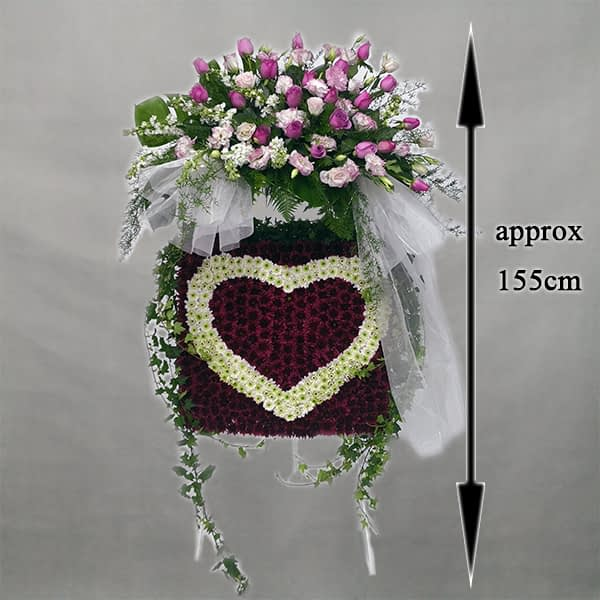 heart shape flowers arrangement