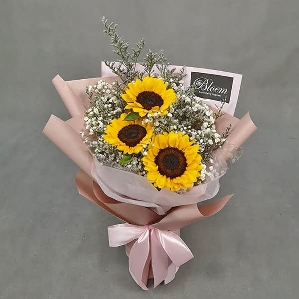 HB240 1 Rm130 3 Sunflowers Baby Breath and Caspia